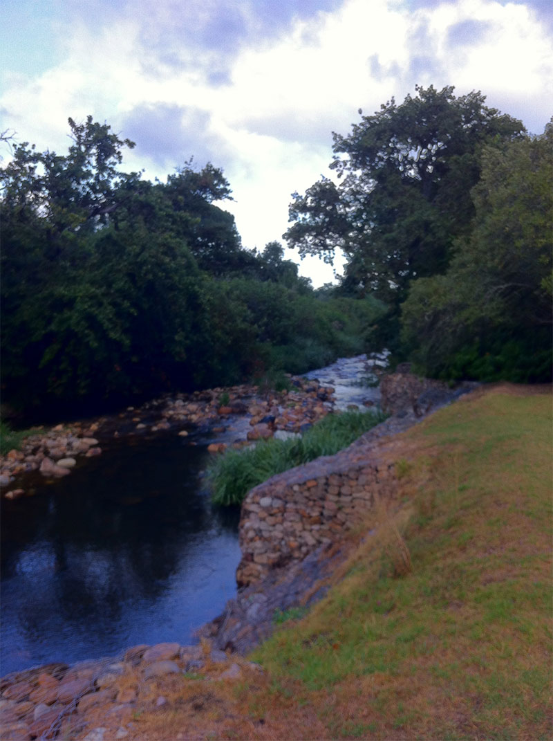 A river runs through it: the Eersterivier.